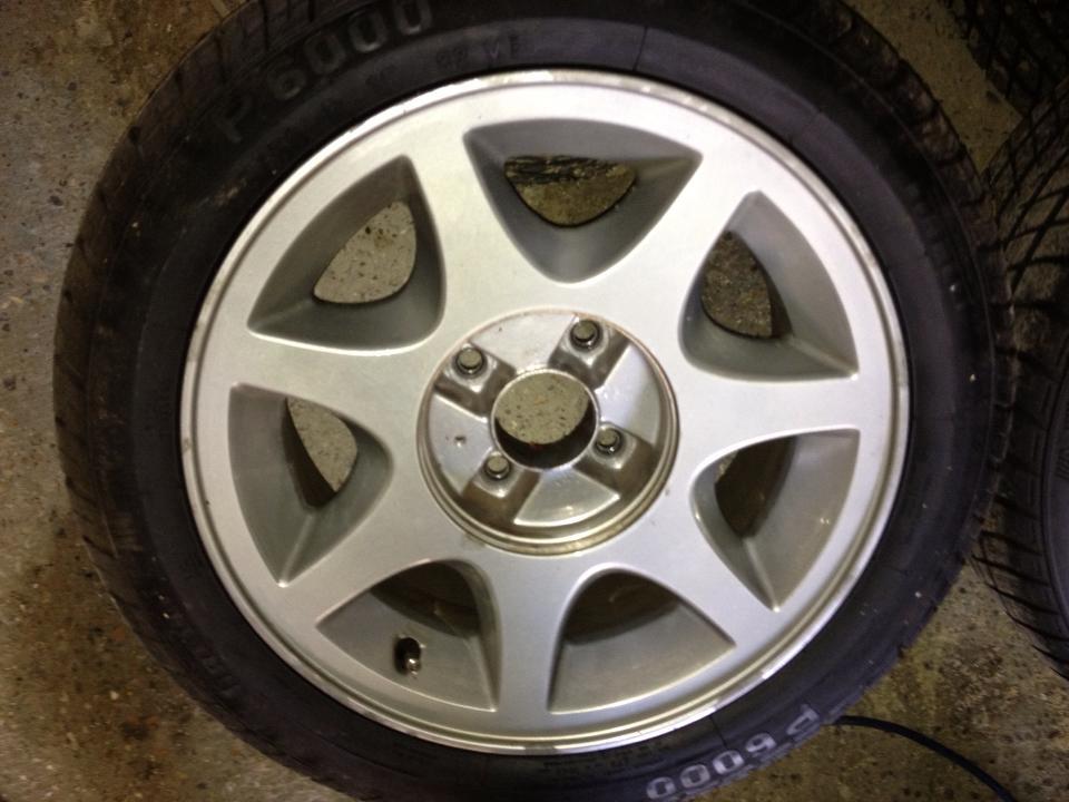 CCI Brooklands Replica Wheels & Tyres 1174669_10151836050296183_1866665897_n_zpsa352bbcf