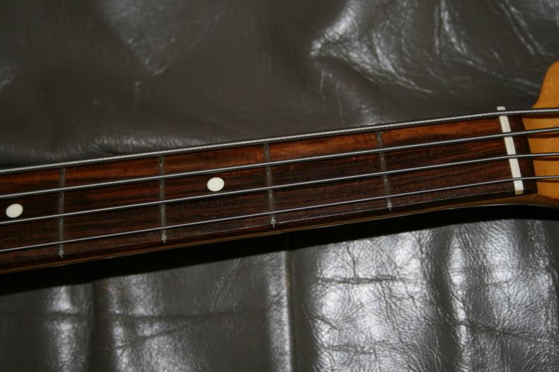 diferenças entre Jazz Bass american STD e Jazz Bass anos 70 IMG_2763