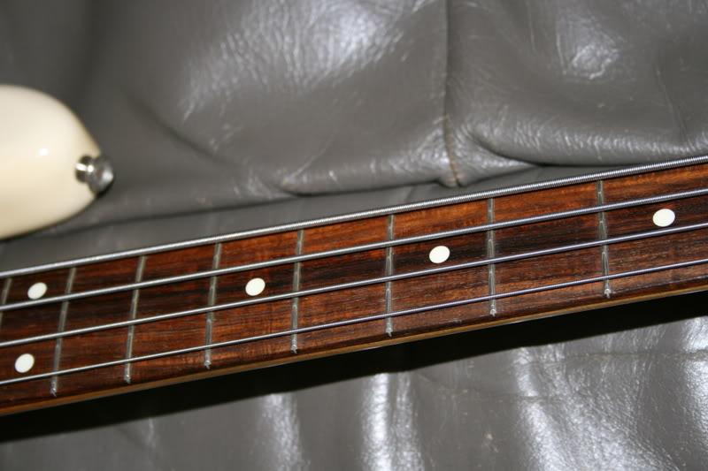 diferenças entre Jazz Bass american STD e Jazz Bass anos 70 IMG_2764