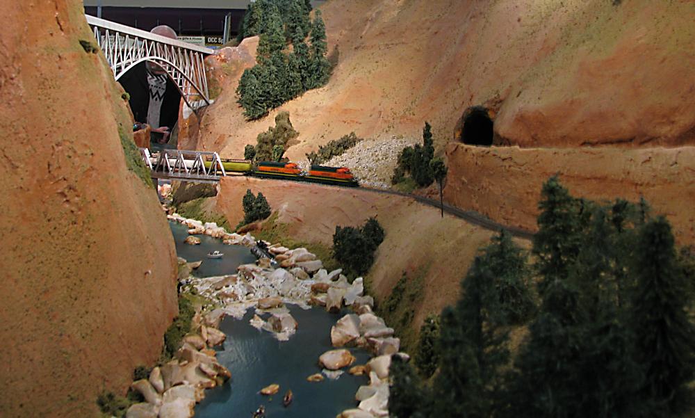 Keighley Model Railway Show 2015-03-21%2012.40.50_zpsdzzszycb
