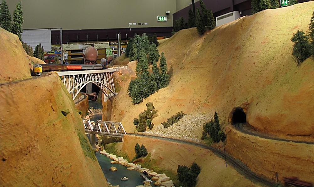 Keighley Model Railway Show 2015-03-21%2012.41.04_zps3qclunbr