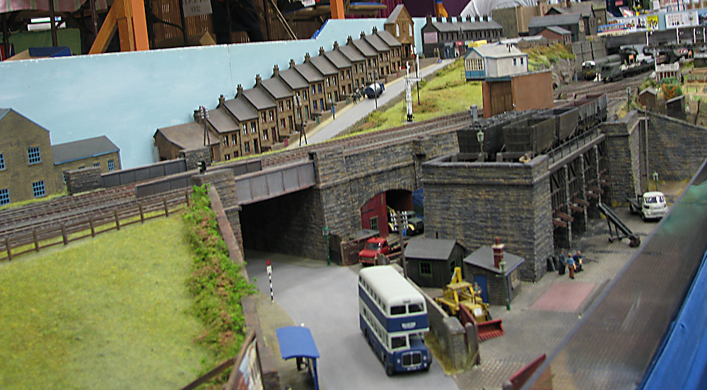 Keighley Model Railway Show 2015-03-21%2014.01.45_zpsquhvljd3