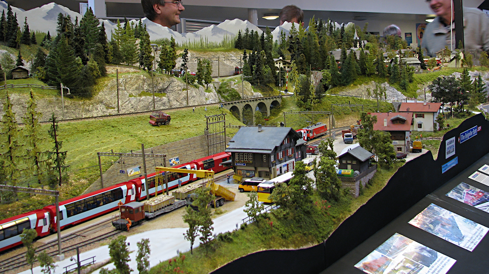 Warrington model railway exhibition. IMG_2771_zps33575f59