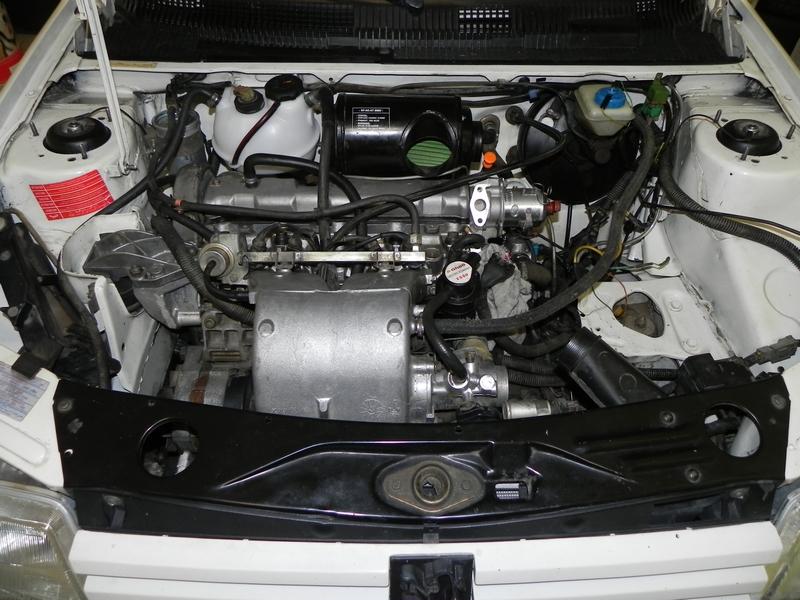[seb] 205 GTI 1L6 AM88  DSCN3082-1
