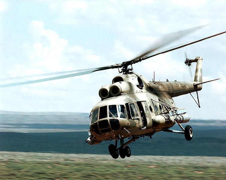 Trực thăng không quân nhân dân Việt Nam 751px-Mi-8_Hip_Roving_Sands_991