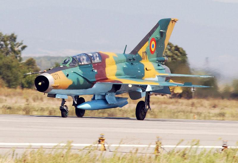 Quân đội các nước Châu Âu 800px-MiG-21UMLancerB1