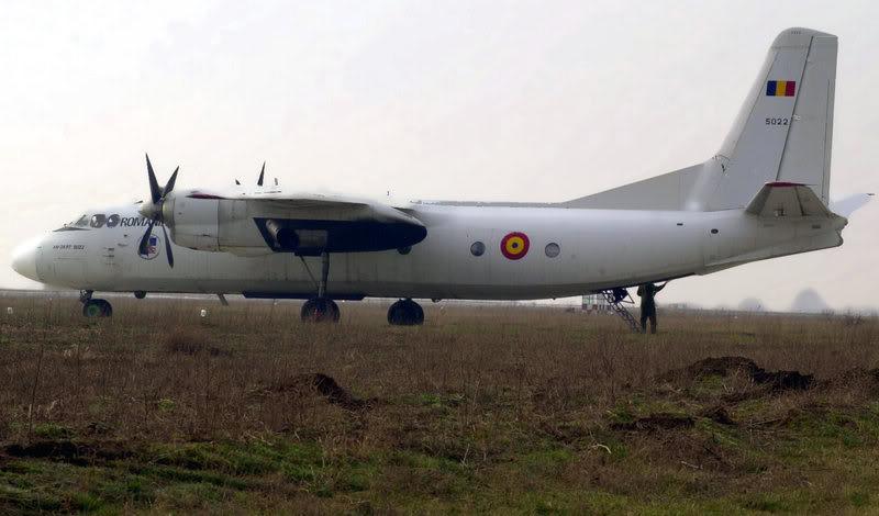 Quân đội các nước Châu Âu 800px-Rumanian_Antonov_An-24_RT_on_