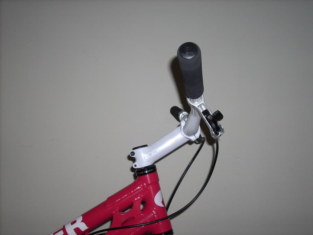 stem/handlebar set up DSCN2470