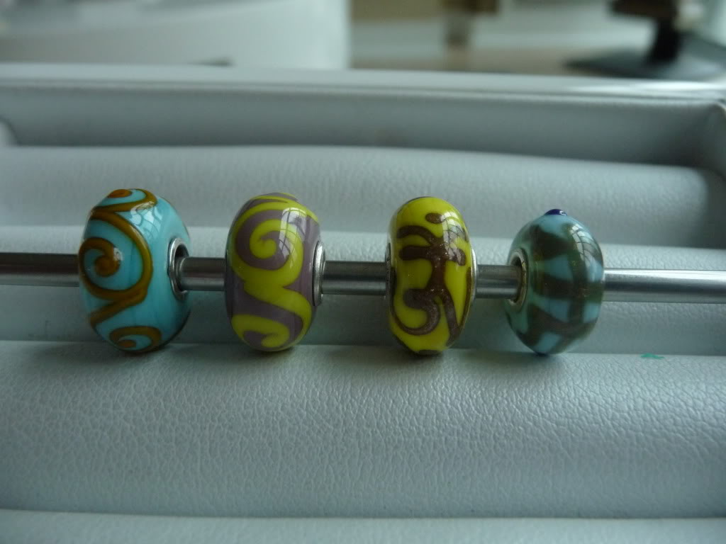 Finally Pics of beads I got at Trollfest + prism/ring combo P1020357