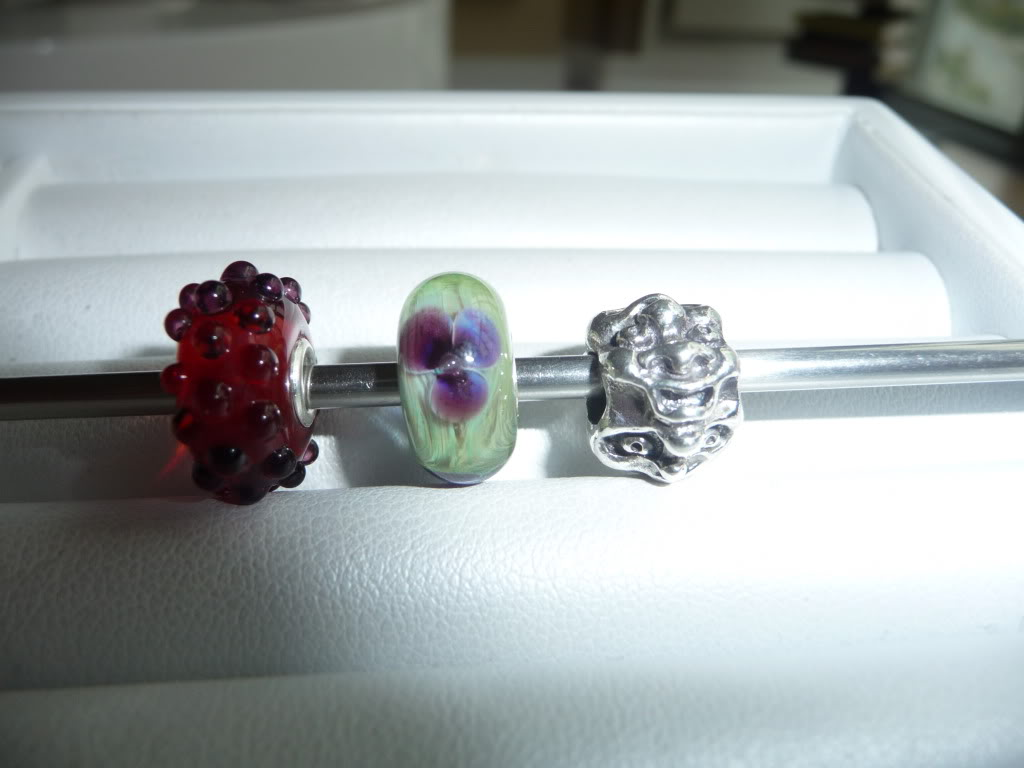 Finally Pics of beads I got at Trollfest + prism/ring combo P1020377