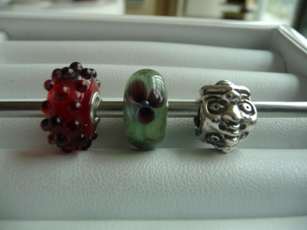 Finally Pics of beads I got at Trollfest + prism/ring combo P1020384