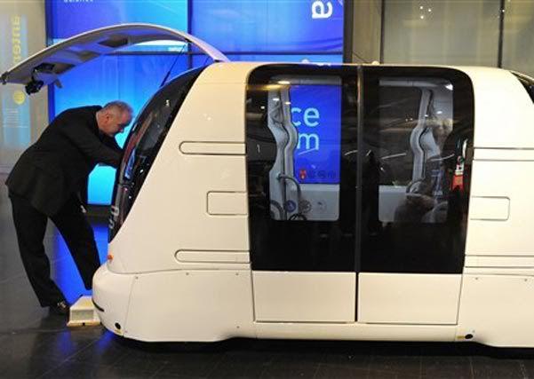 Carro que dispensa motorista será usado em Londres Caiu