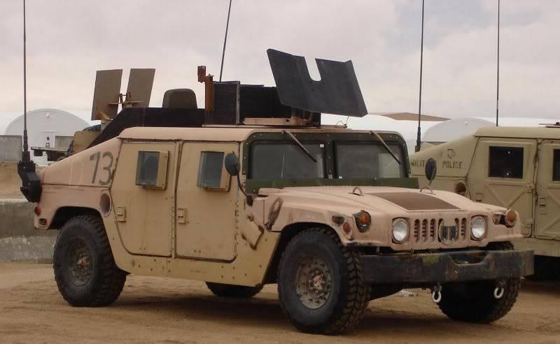 [duanra] M1025 Irak 2004 HmmwvparebuffleM35tourellesigearrir