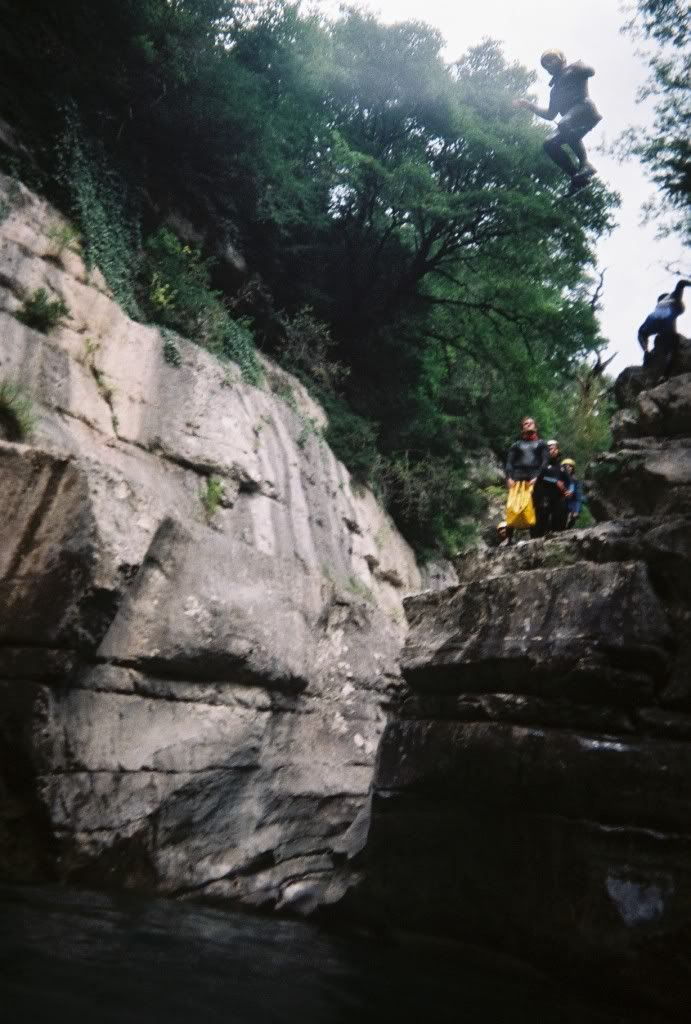 WEEK END CANYONING A000023
