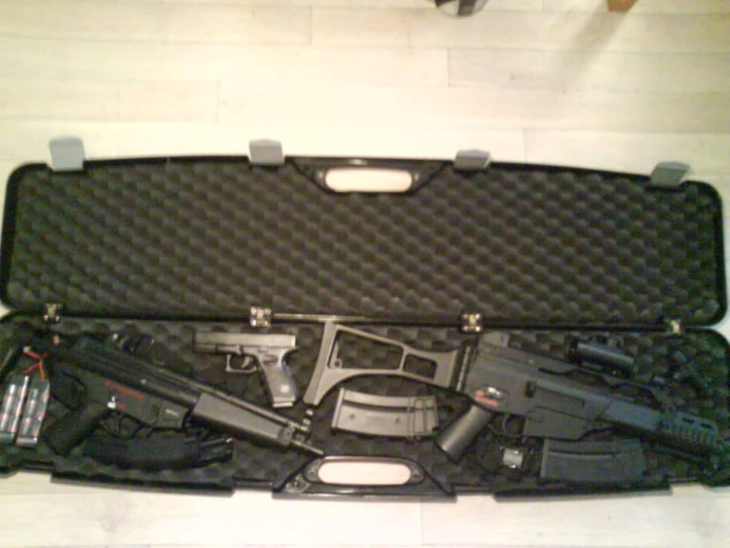 Mallette de transport MP7/G36C Beretta DSC00061