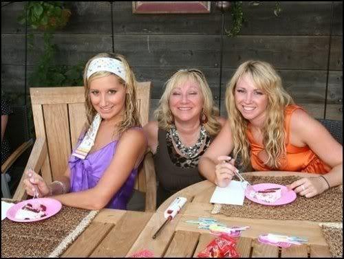 Ashley sa mamom - Page 2 Tisdaleladies