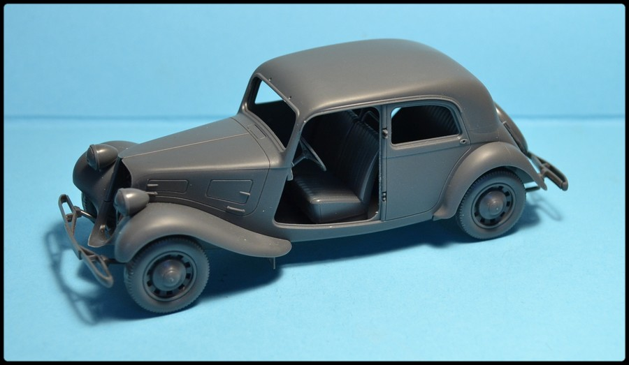 Citroën traction avant capturée ( TAMIYA N° 35301, 1/35 ) DSC_0079_zps85466c6b