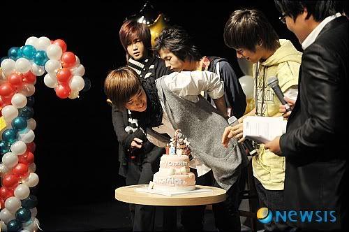 Jae Jin in Doğum Gününden Kareler NISI20081215_0000371900_web