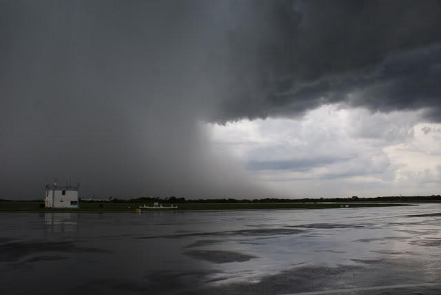 la tormenta en aerop ezeiza Cc061d45