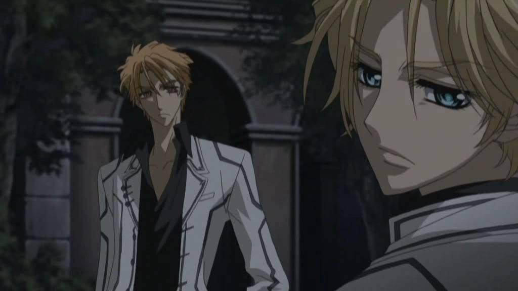 LISEROCBLACK(VAMPIRE KNIGHT) Vampire_Knight_01-125