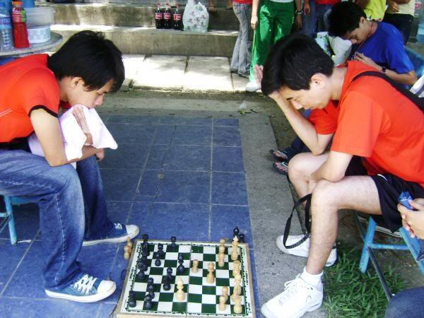 Show Your Face - Page 2 Chess
