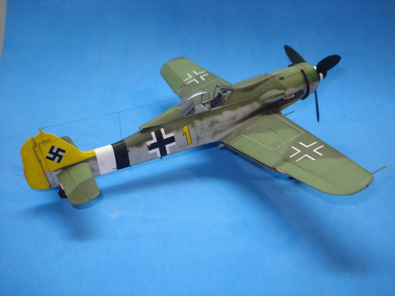 Fw-190 D-9 Hobby Boss 170_zpsof0zesvp