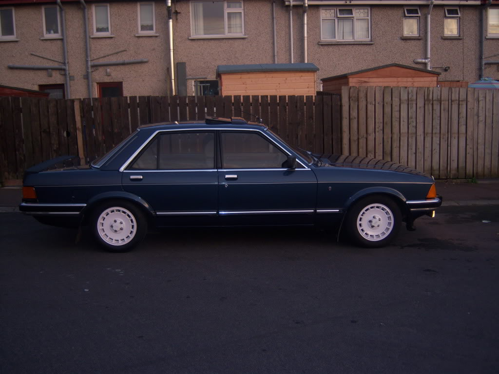 my 2.8i ghia x executive Mk2granniejune2010001