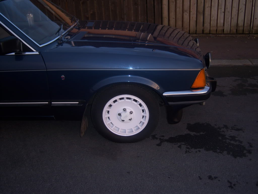 my 2.8i ghia x executive Mk2granniejune2010005