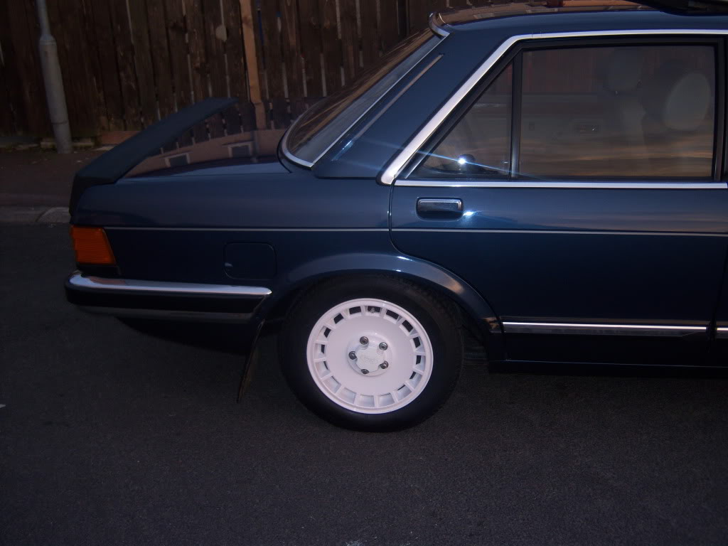 my 2.8i ghia x executive Mk2granniejune2010006