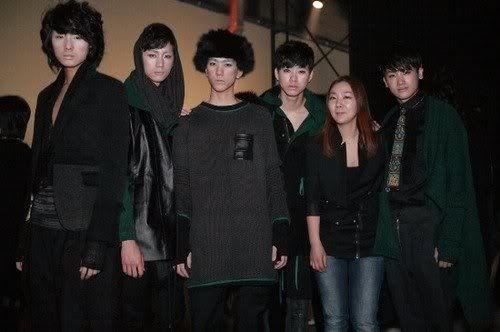 [PICS] HyungSik modelando en la pasarela Image111
