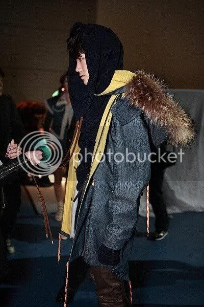 [PICS] HyungSik modelando en la pasarela Image117