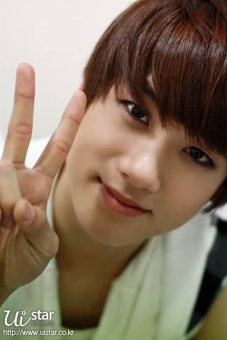 [GALERIA] HyungSik Tumblr_kxsubcWiQu1qaahv5o1_400