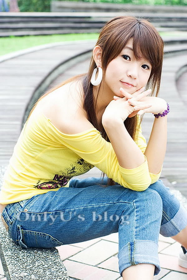 Yao Yao (Diêu Diêu) – Thủy Top của Đài Loan Yaoyao_yellow_01