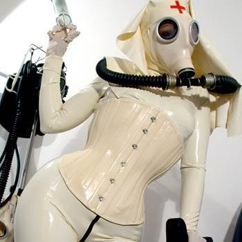 Après la burqa... Gas_mask_by_kakito1238