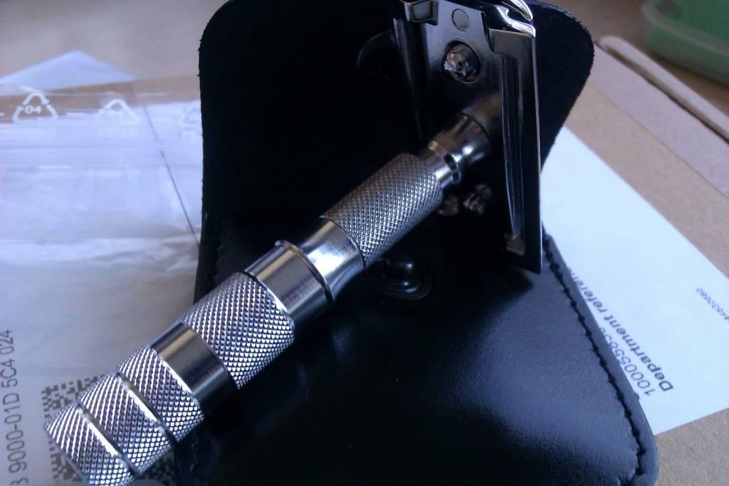 Merkur de voyage 933 peigne ouvert - une petit rasoir IMAG0116_zpstidx9fwl