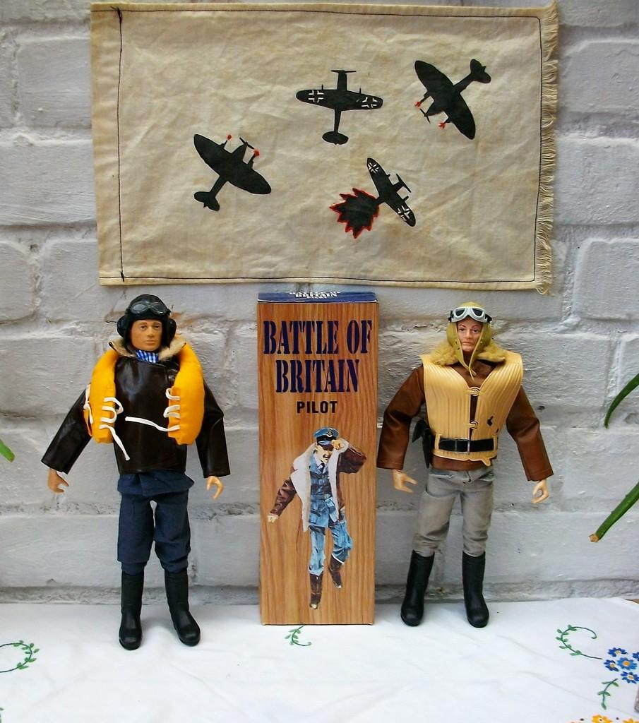 Battle of Britain Pilots  IMGP1732_zpskwmmn91x