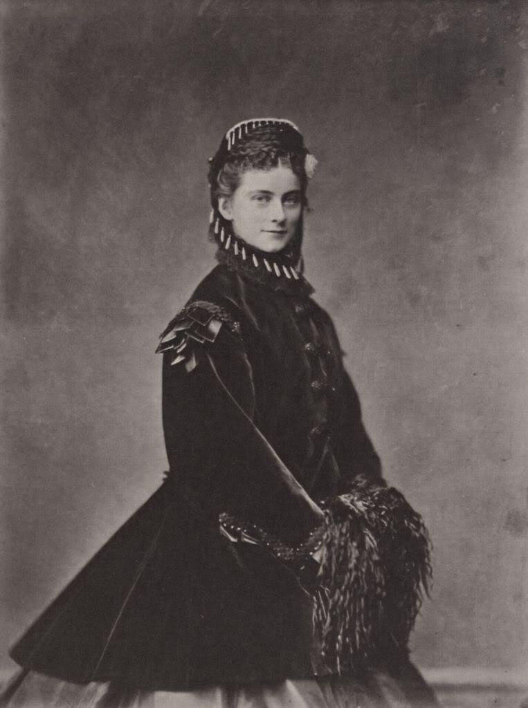 Hermanos y hermanas de la Emperatriz Elizabeth - Página 7 SophieCharlotteAugustine