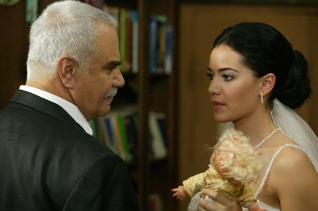 Fahriye Evcen - Pagina 2 FOTO4