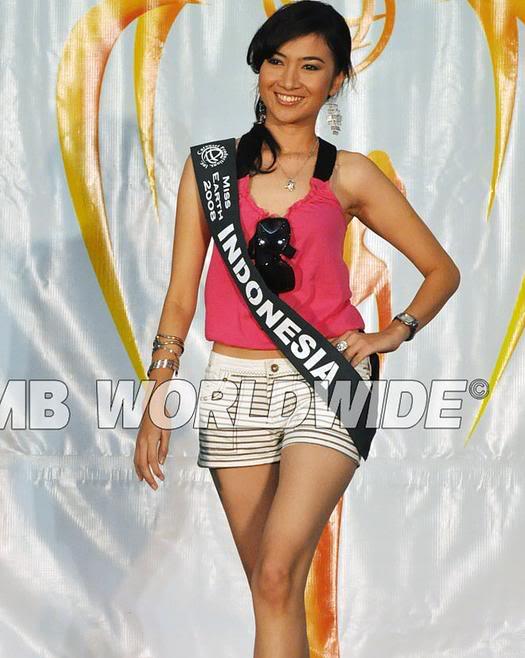 MISS INDONESIA EARTH-HEDHY KURNIATI Heidi1