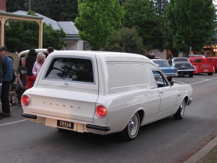 Vans at Bright Rod Run IMG_1290