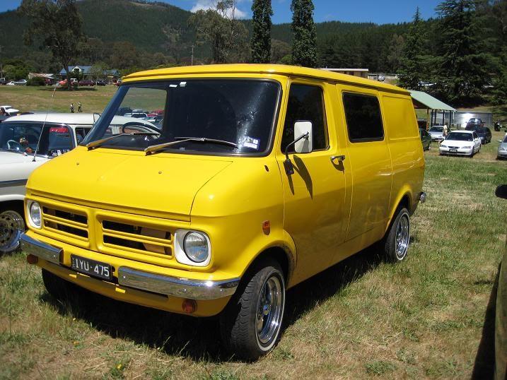 Vans at Bright Rod Run IMG_1372