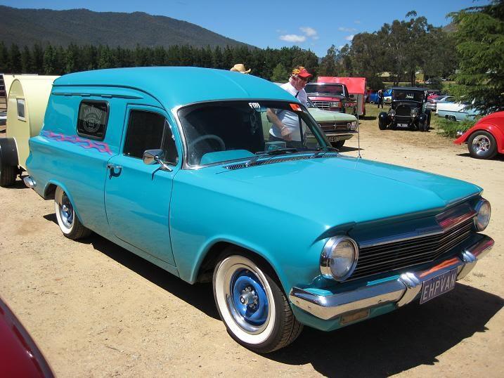 Vans at Bright Rod Run IMG_1377