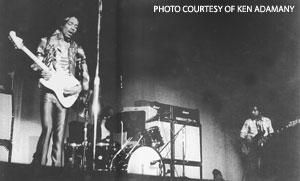 Milwaukee (Milwaukee Auditorium) : 1er mai 1970   38aada8075062a48ab4d6ef10f19c747