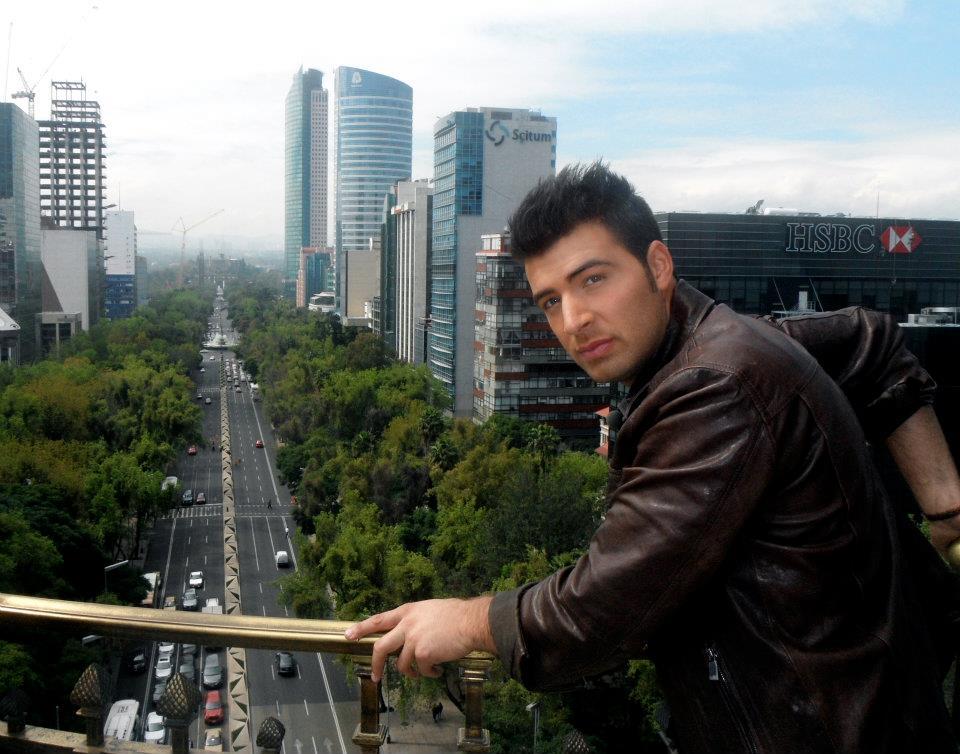 ჯენკარლოს კანელა–ფოტოები 200368d91105c579e003fff7991ff1ed