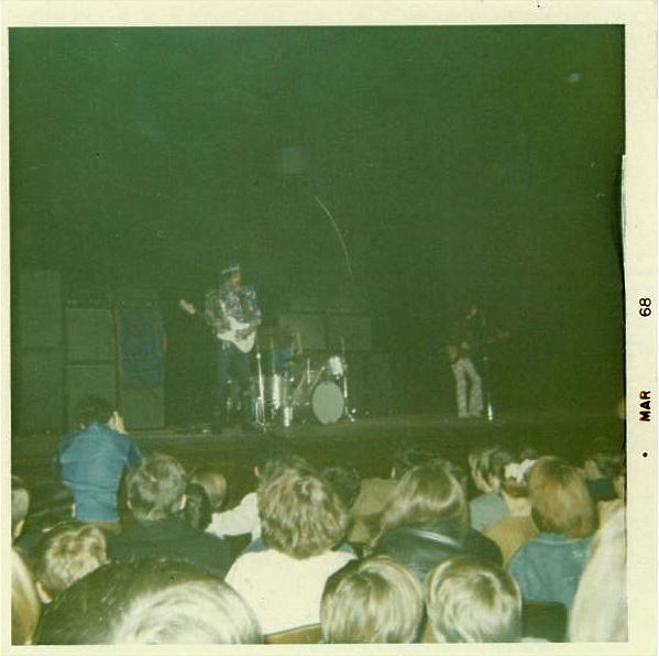Cleveland (Public Music Hall) : 26 mars 1968 [Premier Concert] D62acd70c6356a548598e812ee2f1c1a