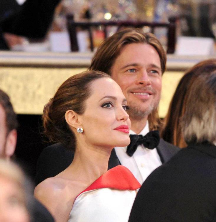 Angelina Jolie / ანჯელინა ჯოლი - Page 2 40f8937987f935a93849c4ad835c6edc