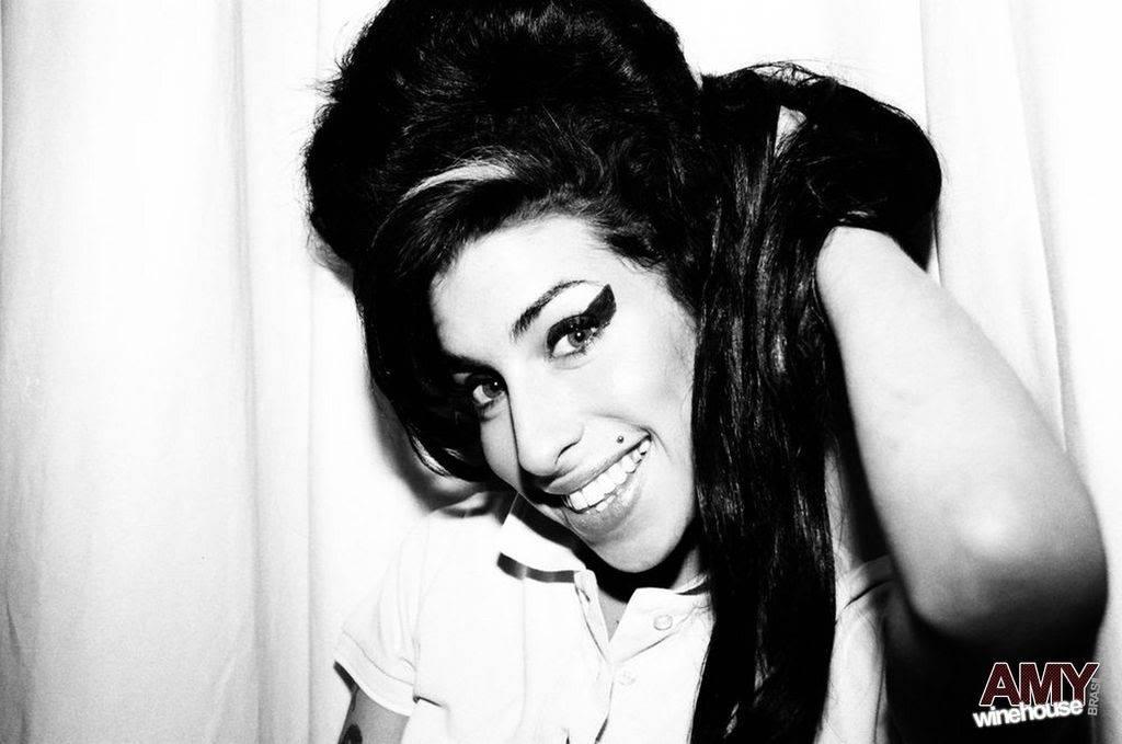 your fav Amy Winehouse pics :D 017-1