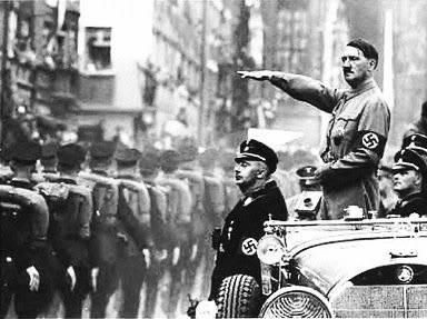 LA LANZA DEL DESTINO Hitler