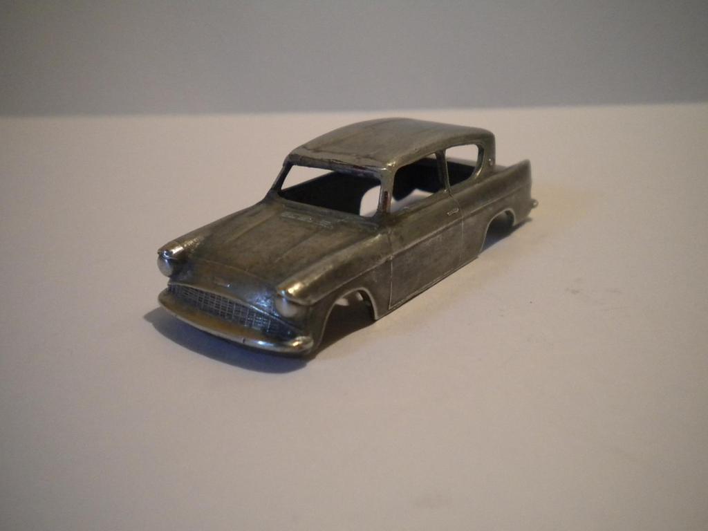 Ford Anglia a taller Imagen022-2