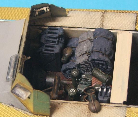 Shaggy's Panzerjager I-FINISHED!!!!!!!!!!! StowedInterior1